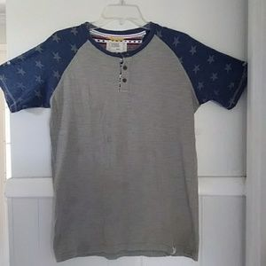 Free planet gray shirt with star prints on sleeves